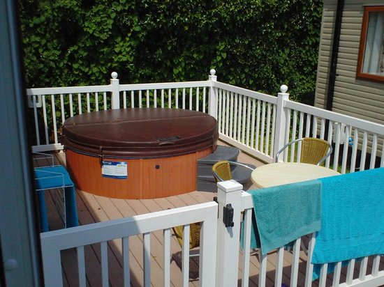 Ladram Bay Holiday Park: Hot tub