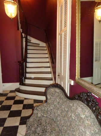 Lamothe House Hotel : Stairs to Second Floor