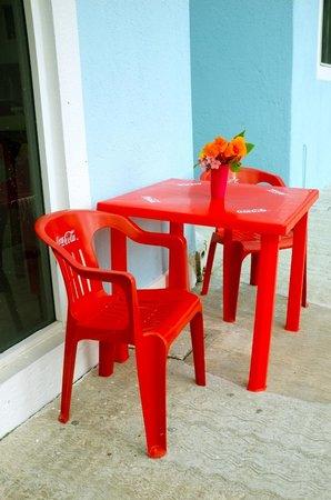 Las 3 Acapulquenas : Outdoor seating!