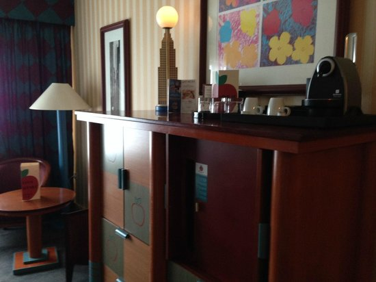empire state club photo de disney 39 s hotel new york chessy tripadvisor. Black Bedroom Furniture Sets. Home Design Ideas