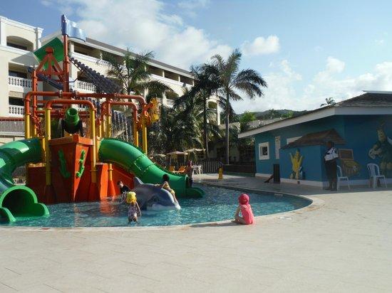 Iberostar Rose Hall Suites: A fantastic kids area..our grandaughters favorite