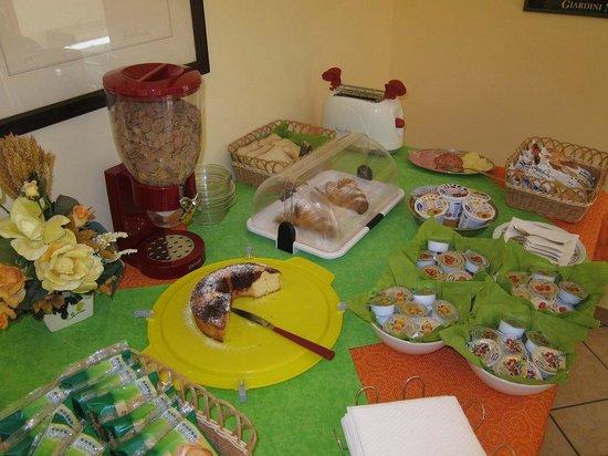 B&B Miramare: Breakfast was wonderful