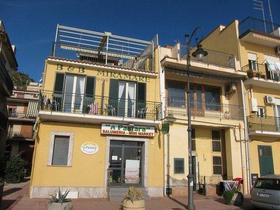 B&B Miramare: hotel front