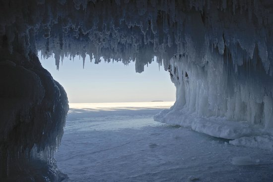 Apostle Islands National Lakeshore : Sea Cave