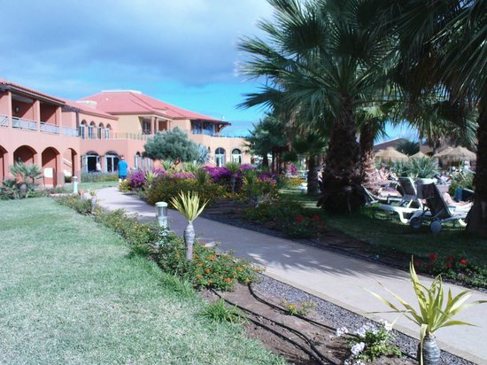 Pestana Porto Santo All Inclusive: Beautiful mature grounds