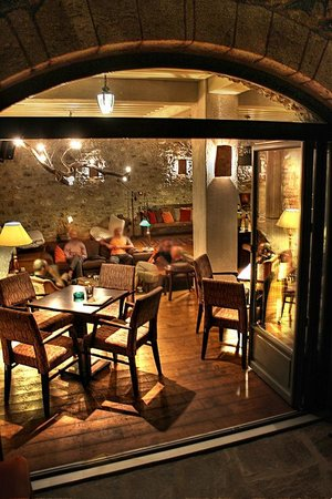 Pritanio Guesthouse: Βράδυ στη σάλα