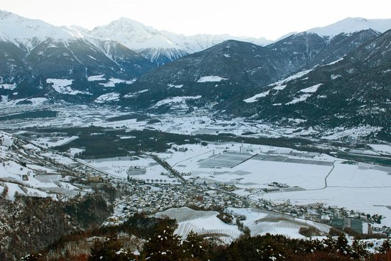 Hotel Tyrol: A view from a road above the village