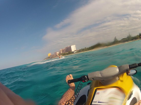 El Cozumeleno Beach Resort: Rented Jet Skis 60USD/Half Hour looking at hotel