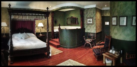 The George Hotel: Room 9