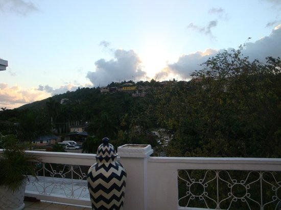 Royal Decameron Montego Beach : sunset over mountains on garden side of hotel (this is the view from our door)