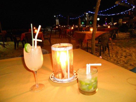 Coral Light : Cocktail sulla spiaggia a lume di candela