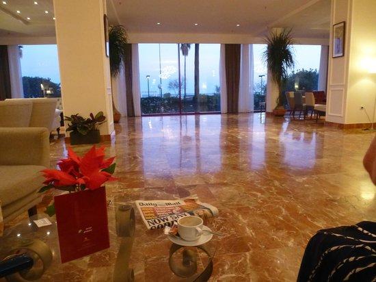 Angela Hotel: dance floor