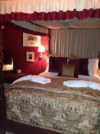 La Farge Perry House: John LaFarge Room.