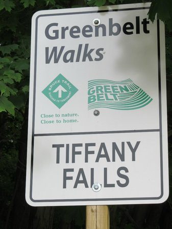 Tiffany Falls Conservation Area : Sign at the trailhead