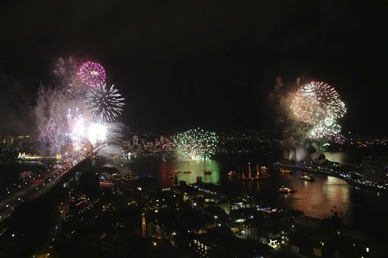 Shangri La Hotel Sydney NYE Fireworks View From Executive Grand Harbour Suite