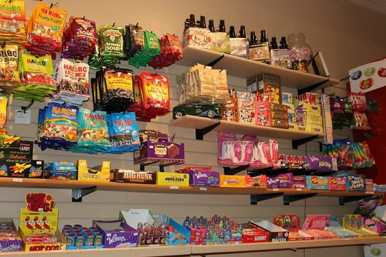 Springdale Candy Company: More shelves of candy!