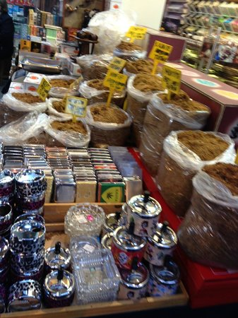 Troy Tours : Spice Bazaar, I enjoyed this more than the Grand Bazaar. Delicious Turkish Delights.