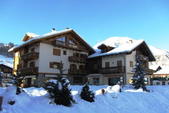 I MINI Apartments: esterno invernale