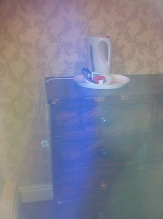 Miskin Manor Hotel and Health Club: kettle on top of chest of drawers - needs a little work
