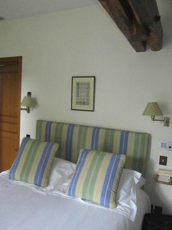 Domaine de la Tortiniere : Our room