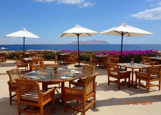 Four Seasons Resort Sharm El Sheikh: The Reef Restaurant - Great Lunch!