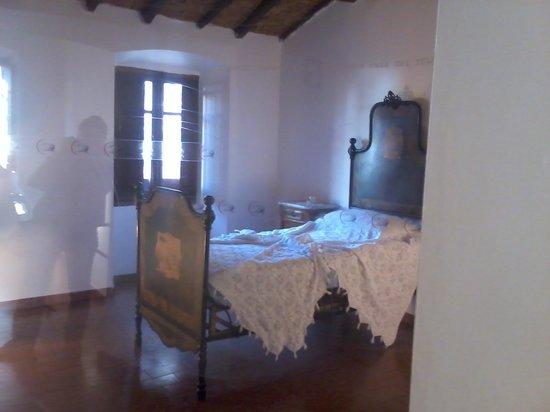 Camera da letto di gramsci foto di casa museo di antonio for 7 piani di casa di camera da letto