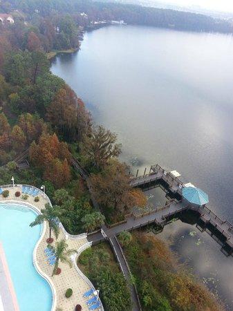 Blue Heron Beach Resort: Vista do décimo quinto andar em direção ao lago