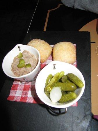 La Plancha Gourmande : L'apéro : rillettes avec des petits pains