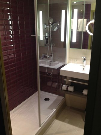 Mercure Wien Zentrum: Bathroom