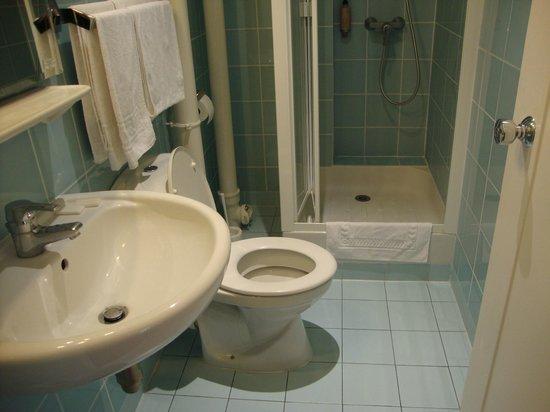 Hotel du Nord et de l'Est: banheiro