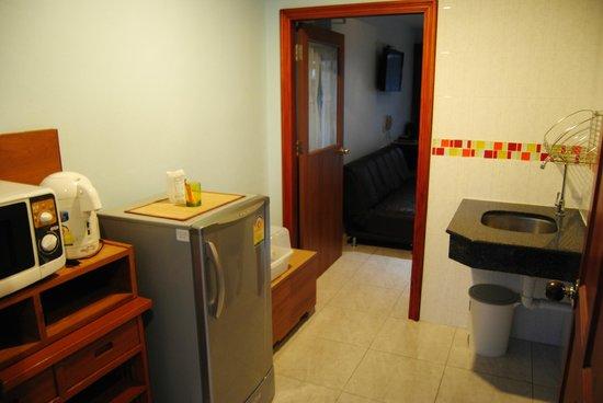 Baan Halle Hallo : small kitchen area