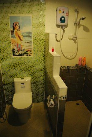 Baan Halle Hallo : bathroom