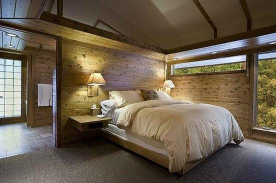 Canoe Bay: Dream Cottage #8 Bedroom Suite