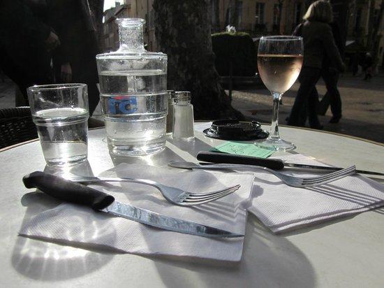Cours Mirabeau : Cafe Le Grillon