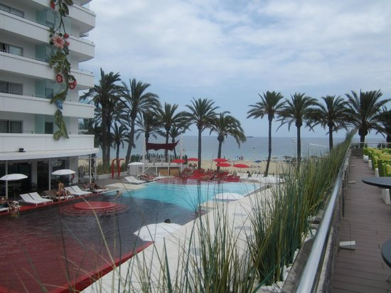 Ushuaia Ibiza Beach Hotel: The Tower Pool
