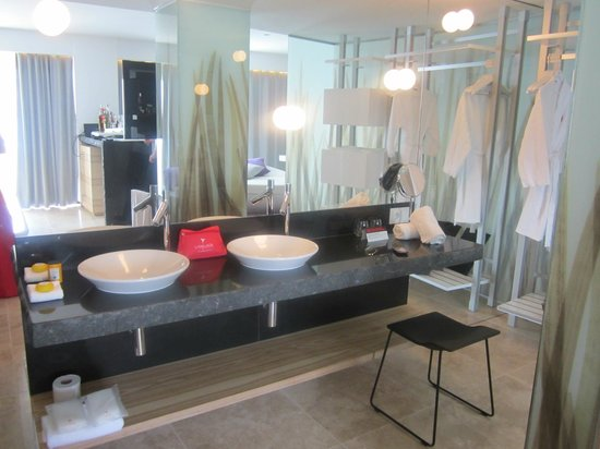 Ushuaia Ibiza Beach Hotel : Anything Can Happen Suite (Tower)