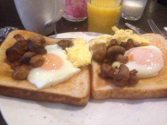 Jurys Inn Dublin Custom House: Breakfast
