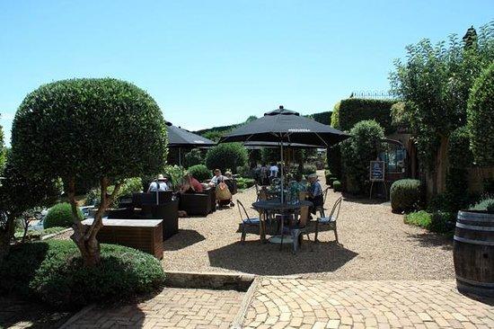 Mudbrick Vineyard & Restaurant: Terrace tables