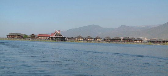 Golden Island Cottages : hotel's view from water