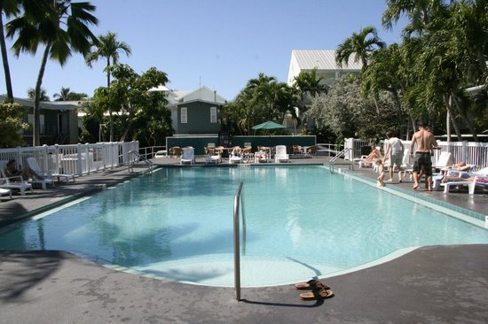 Blue Marlin Motel : Pool and Deck area