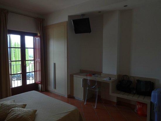 Hotel Casolare le Terre Rosse: Confortável e com linda vista!