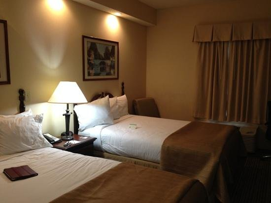 Quality Inn Palm Bay: Comfy beds, nice room.