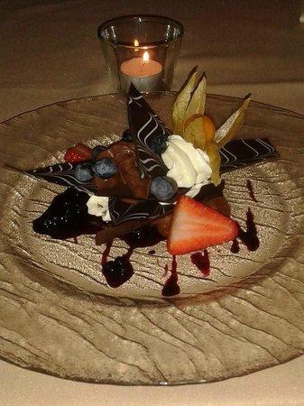 Hotel Leonardo Prague: Chocolate mousse dessert, utterly delicious!