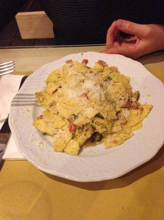 Osteria A Priori: maltagliati con zucchine pecorino e pancetta!