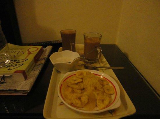 Sajhome : Banana chips/tea