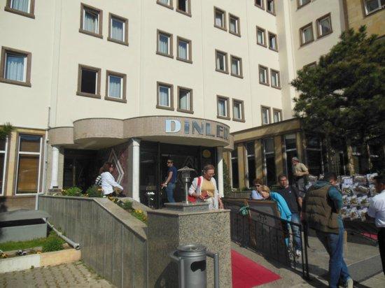 Dinler Hotels – Urgup: Frente del Hotel