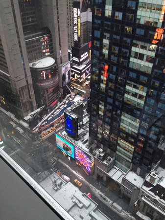 Millennium Broadway New York Times Square: Times Square from my room.