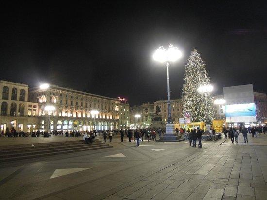 Piazza del Duomo : Piazza Duomo Milano