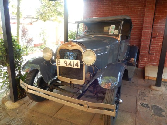 Fairmont The Norfolk: Right Hand Drive Ford Model A