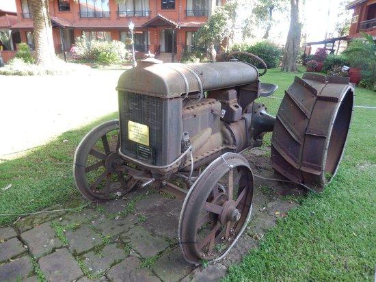 Fairmont The Norfolk: Antique Tractor
